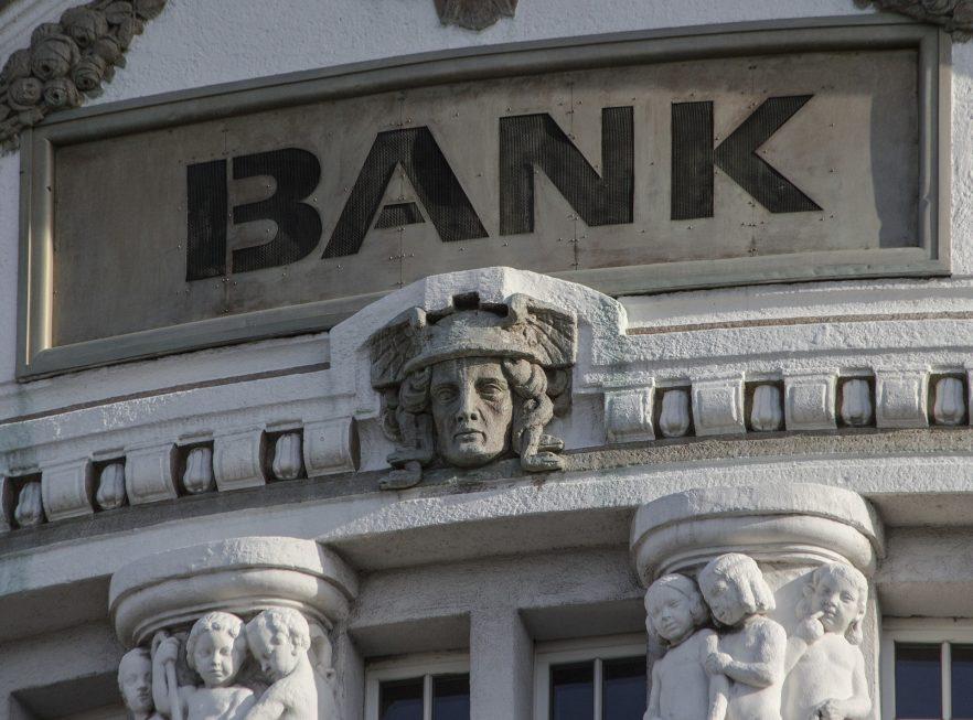 Banken zahlen nach der Ausbildung am meisten