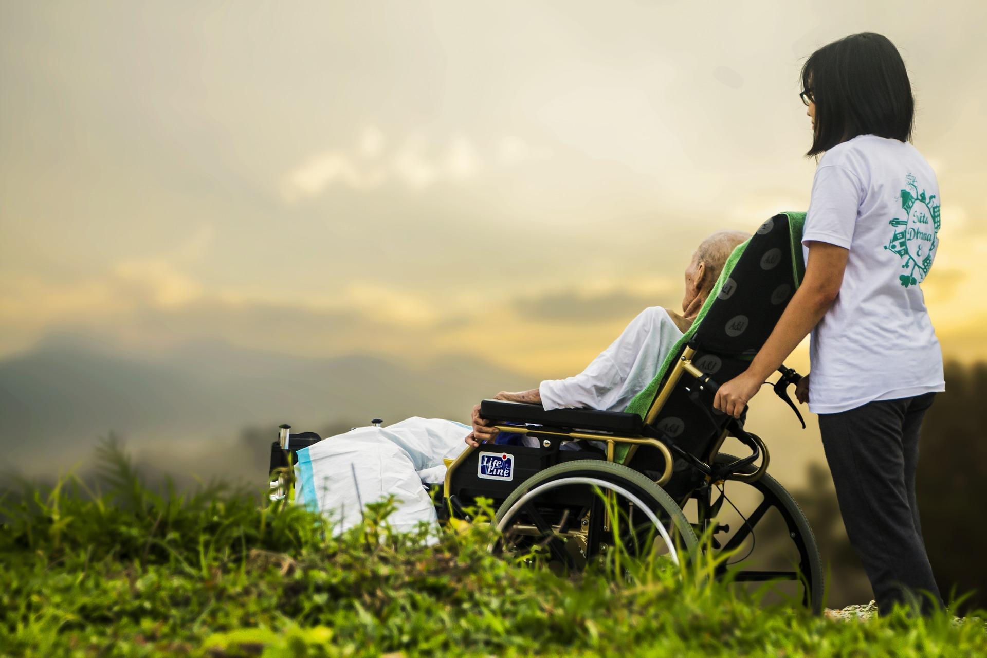 Nach Beitragserhöhung: Pflegeversicherung erstmals drittgrößte Sozialversicherung - Anlegermagazin Mein Geld
